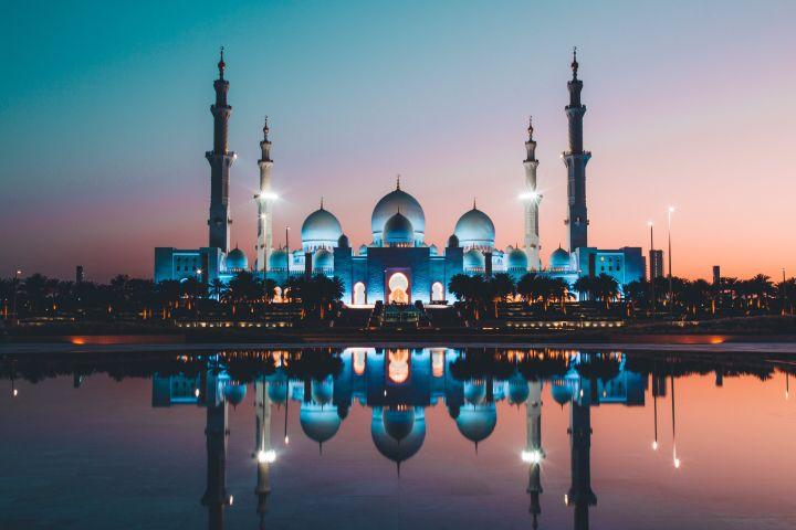 STR - hotelaria Abu Dhabi_dezembro