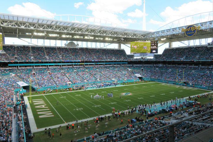 STR - projeção Super Bowl Miami_interna