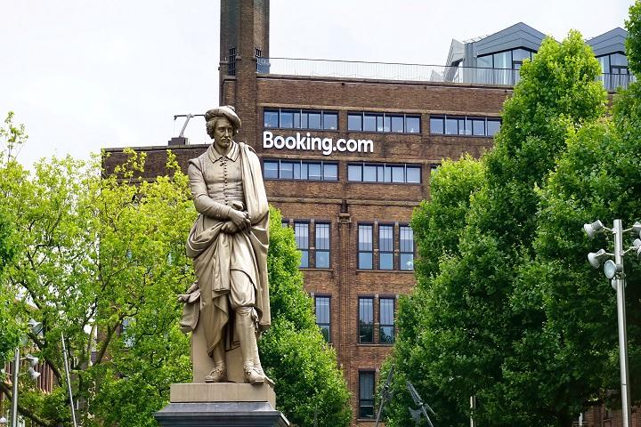 Booking.com - reestruturação